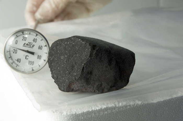 Tagish Lake Meteorite and Thermometer