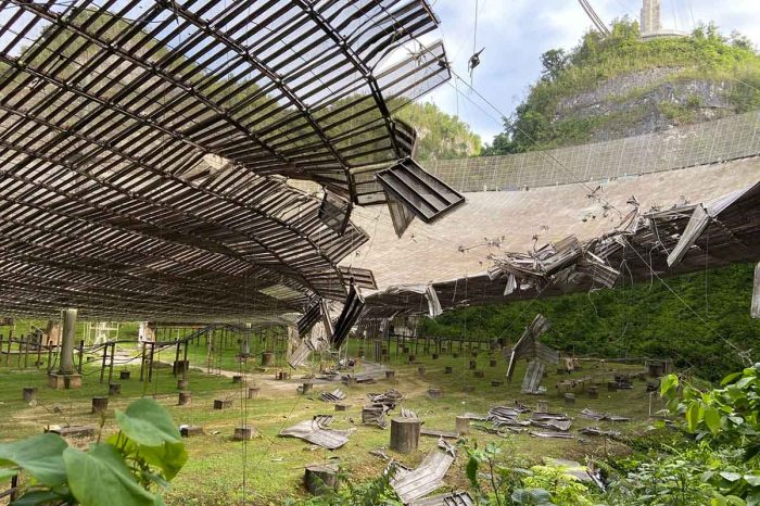 Radio Telescope at Arecibo Damage