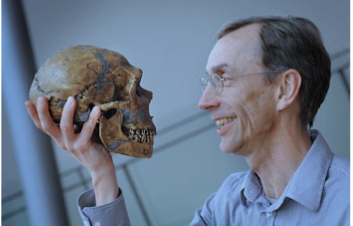 Neanderthal DNA - Professor Looks at Skull