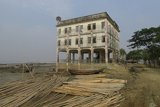 Bangladesh's Land Use - Schoolhouse on Stilts